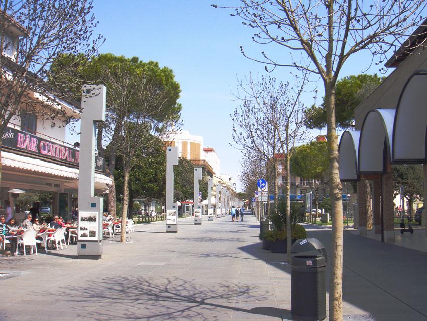 Photo gallery lignano sabbiadoro lignano pineta for Appartamenti lignano
